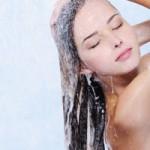 Почему быстро грязнятся волосы и что делать?